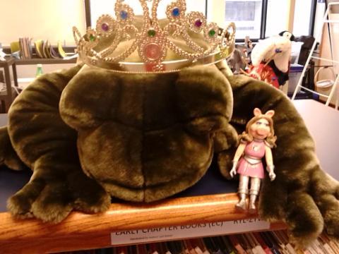 piggy frog prince