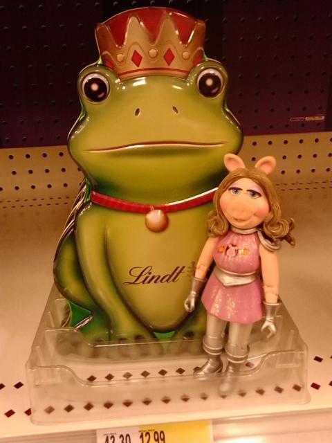 Piggy Target frog