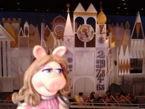 piggy small world
