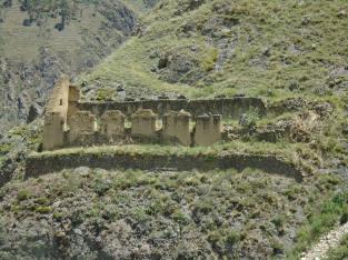pinkuylluna ruins
